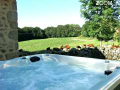 photo de Gite Cantal Authentic Loft 4**** à la ferme avec JACUZZI et Pêche Privée- WIFI